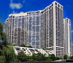 HarbourSide Condominiums: 55-65 Harbour Square, Toronto
